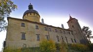 In den Fünfzigern diente Grabštejn dem tschechischen Landwirtschaftsministerium. Danach war Cranachs Renaissance-Madonna unter dem Orangenbaum unauffindbar.