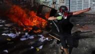 Straßenschlachten in Santiago de Chile: Mehr als eine Million Menschen demonstrierten in den vergangenen Tagen gegen die Regierung.