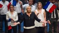 Die Vorsitzende des Ressemblement National (RN), Marine Le Pen, nach ihrer Rede in Fréjus an der Cote d'Azur