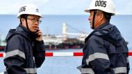 Chinesische Ingenieure auf der Baustelle für eine Brücke in Kroatien