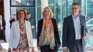Die kommissarischen SPD-Vorsitzenden am Montag in Berlin, Malu Dreyer, Manuela Schwesig und Thorsten Schäfer-Gümbel