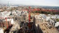 Der Bauboom geht weiter und auch die Mieten steigen ungebremst – Unternehmen wie Vonovia profitieren.