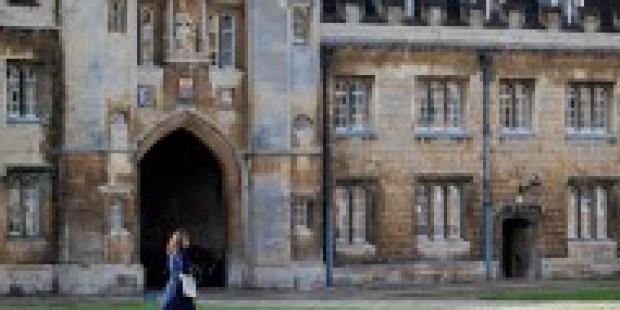Cambridge impft seinen Lehrkörper gegen Rassismus
