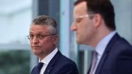 Präsident des Robert Koch-Instituts (RKI) Lothar Wieler und Bundesgesundheitsminister Jens Spahn bei einer Pressekonferenz.