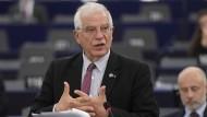 Der neue EU-Außenbeauftragte Josep Borell spricht während einer Debatte im EU-Parlament in Straßburg.