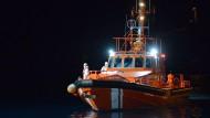 Ein spanisches Seenotrettungsboot am 11. April im Hafen von La Restinga auf der Kanareninsel El Hierro