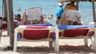 Abschalten: Urlaubszeit ist für viele Menschen Lesezeit