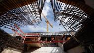 Großbaustellen wie Stuttgart 21 bergen erhebliche Risiken für Versicherungsschäden.