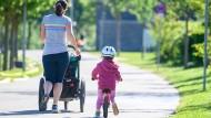 Die Entschädigungsansprüche für Eltern sollen bis März 2021 verlängert werden.