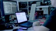 Was in amerikanischen Serien wie pure Fiktion anmutet, ist tatsächlich möglich: Hacker-Angriffe auf Herzschrittmacher (Symbolbild).