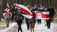 Wie sich Politiker in Belarus Faschisten schimpfen