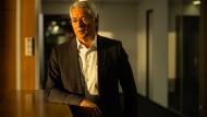 In Sorge: Fraport-Chef Stefan Schulte will den Flughafenbetreiber heil durch die Corona-Krise bringen.