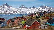 Der Ort Tasiilaq in Grönland