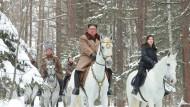 Selbstinszenierung in weiß: Das Foto, das von der staatlichen nordkoreanischen Nachrichtenagentur KCNA zur Verfügung gestellt wurde, soll Nordkoreas Machthaber Kim Jong-un auf dem höchsten Berg des Landes zeigen.