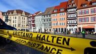Aufforderung zum Abstandhalten in Erfurt