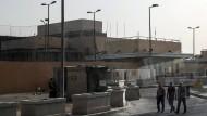 Der Eingangsbereich zum Gelände der amerikanischen Botschaft in Bagdad