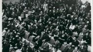 Vor den Augen der Welt: Das Publikum des Eichmann Prozesses im April 1961.