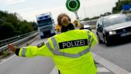 Rendsburg: Polizei schießt bei Verfolgungsjagd auf flüchtigen Wagen