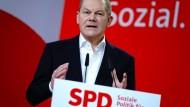 Finanzpolitik: Scholz will höhere Steuern für Besserverdienende