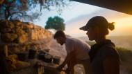 Wenn die Sonne aufgeht, beginnt der Arbeitstag in Aseka.