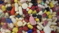 Sollte man in Zeiten von Corona Medikamente absetzen, die in das Immunsystem eingreifen?