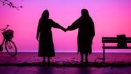 """Let's just not talk politics"": Rachel Croash und Raphaela Mangan in Hannah Peels Kurzoper ""Close"""