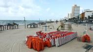 Wer die Angst nicht ernst nimmt, verliert: Am Strand von Tel Aviv.