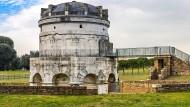 Das Mausoleum des Theoderich – Ostgote, Arianer – in Ravenna, erbaut 520