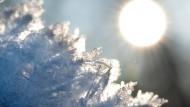 Siebzehn verschiedene kristalline Formen von Eis sind bekannt.