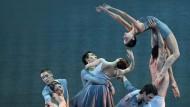 Die neuen Münchner Choreographien sehen nach Zen-Magie aus, erfordern aber Ausdauer wie ein Boxkampf.