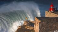 """""""Erst war alles erlaubt, jetzt ist alles verboten"""": Portugal und die große Welle"""