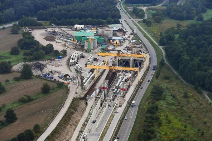 An der Tunnelbaustelle bei Rastatt hatten sich die Gleise abgesenkt. Diesem Ärgernis könnten noch weitere folgen.