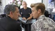 Gad (Gad Elmaleh) und sein Sohn Luke (Jordan Ver Hoeve) sind noch nicht auf derselben Wellenlänge.