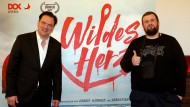 """Macher und Musiker: Regisseur Charly Hübner (links) und FSF-Frontmann Jan """"Monchi"""" Gorkow bei der Kinopremiere des Dokumentarfilms """"Wildes Herz"""""""