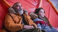 """Der alte Mann und die Welt: """"The Midnight Sky"""" bei Netflix"""