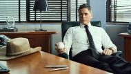 Die Beine hochlegen kann er eigentlich nicht: Rob Lowe als Polizeichef.