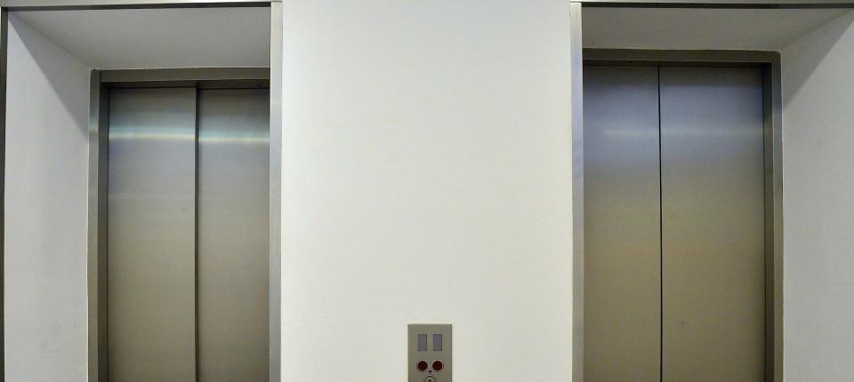 Wohnung im fnften Stock 80Jhriger kmpft um sein Recht auf einen Aufzug