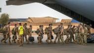 Französische Soldaten verlassen am 9. Juni ihre Basis in Gao