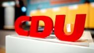 Nach der Bundes-CDU verschiebt auch die niedersächsische CDU ihren Parteitag.