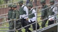Zur Verteidigung gegen China bereit: Taiwans Präsidentin  Tsai Ing-wen bei einer Militärübung.