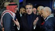 """""""Jeder kennt die Regeln"""": Frankreichs Präsident Macron echauffiert sich bei seinem Besuch in der Jerusalemer Altstadt über den Umgang mit ihm."""