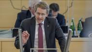 Mit Plan zur Öffnung: Schleswig-Holsteins Ministerpräsident Daniel Günther im Porträt