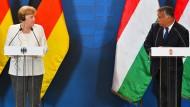 Kanzlerin Angela Merkel und Premierminister Viktor Orban am Montag in Sopron
