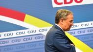 Rückzug auf Raten: Der CDU-Vorsitzende Armin Laschet nach seiner Erklärung am Donnerstagabend in Berlin
