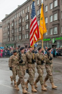 Amerikanische Truppen Bei Einer Parade In Narva