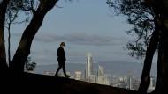 Vor der Skyline von San Francisco: Die Schönheit der Natur und die Freude am Leben setzen sich auch in Krisenzeiten durch.