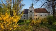 Mehr als ein Dutzend Familien erhielten unter Vaclav Havel große Teile ihres Vermögens zurück, einschließlich Ländereien, Schlössern und Burgen – auch Schloss Doudleby.