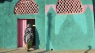 Fromme Siedler aus Arabien gründeten die Stadt im achten Jahrhundert und gaben ihr mit farbigen Mauern, Moscheen und Schreinen ein eigenes Flair.