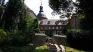 Hotspot: So beschaulich Laubach – hier das Schloss – auch ist, die Kleinstadt weist eine hohe Inzidenz auf und verlangt Schnelltests vor manchen Läden