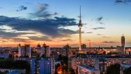 Blick über Wohnhäuser im Osten von Berlin